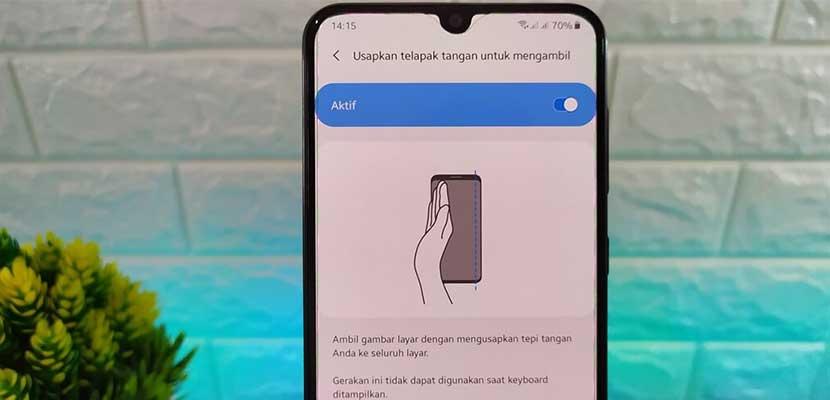 Cara Screenshot Menggunakan Telapak Tangan